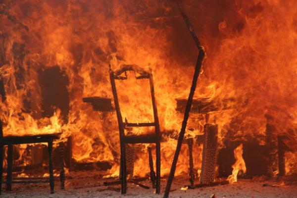 Ein solches Szenario kann durch frühzeitiges Erkennen eines Brandes verhindert werden