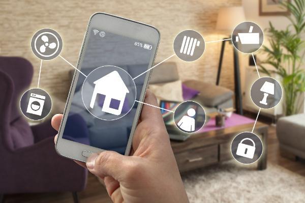 Smart Home Steuerung bequem über das Handy