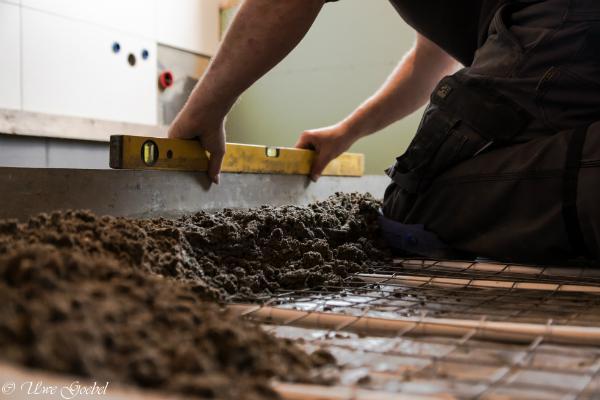 Die Verwendung von Schnellestrich bringt für Heimwerker viele Vorteile mit sich