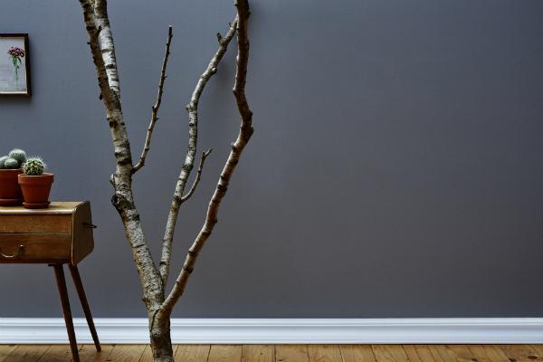 Die Sockelleiste setzt den Übergang zwischen Boden und Wand ideal in Szene