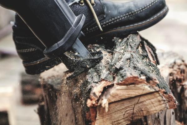 In der Gartenarbeit wird der elektrische Fuchsschwanz oft eingesetzt