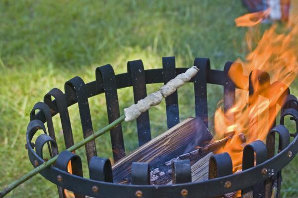 Grillen mit dem Feuerkorb