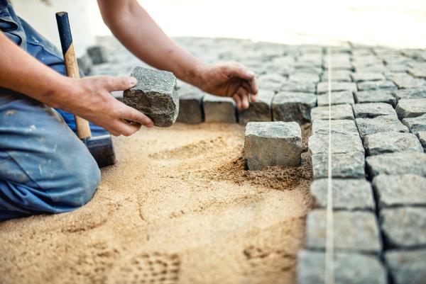 Granitpflastersteine verlegen