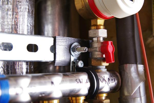 Ein am Rohrsystem angebrachter Strömungswächter