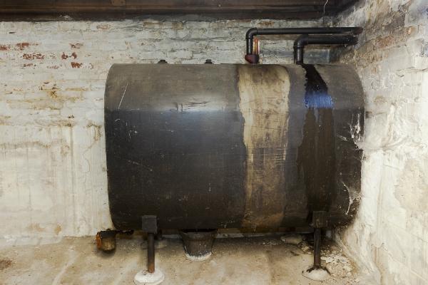 Ein Öltank im Keller