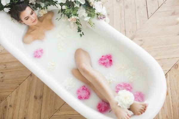 Freistehende Badewannen sehen besonders edel aus