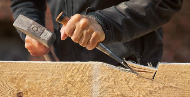 Holz für die Seitenteile bearbeiten