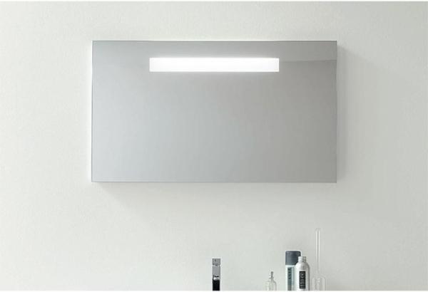 Spiegel-m-beleuchteter-Blende-950x662mm