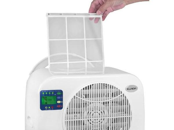 Wohnwagen-Split-Klimageraet-AC-2401-Caravan-696-Watt-herausnehmbarer-Luftfilter