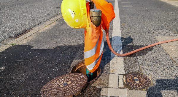 Temporäre Wasserversorgung auf der Baustelle wird mittels Hydrant oder Standrohr gewährleistet
