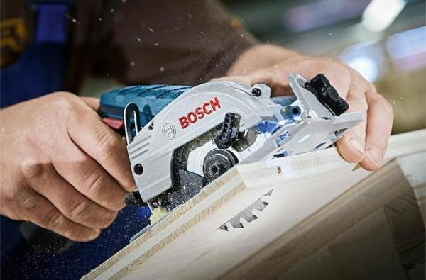 Akku-Kreissaege-Bosch-GKS-12V-26-Professional-ohne-Akku-Ladegeraet-hobby-werkstatt-einrichten