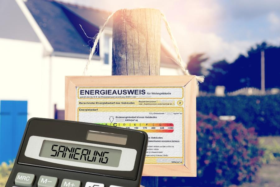 Ein Haus, Energieausweis und Kosten fuer Sanierung gebaeudeenergiegesetz