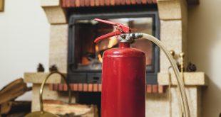 Feuerlöscher für Sicherheit am Kaminofen