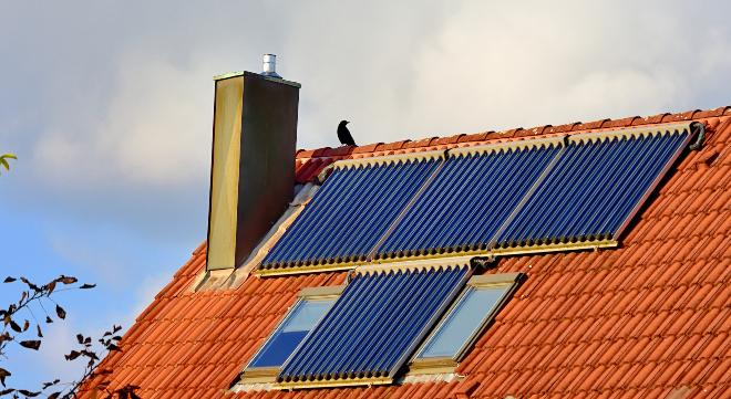Hausdach mit Solarthermieanlage