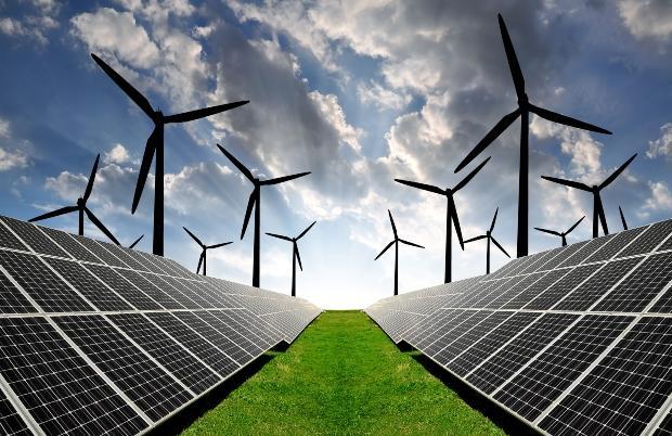 Solarpanele und Windkraftanlagen - Gute Gründe für die Heizungsmodernisierung