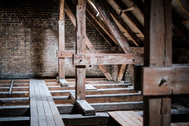 Alter Dachstuhl - Dachausbau muss auf Statik geprüft werden