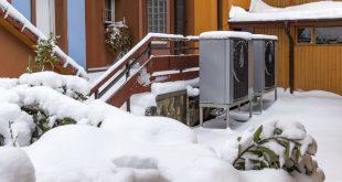 Haus im Winter - Luftwärmepumpe Funktion