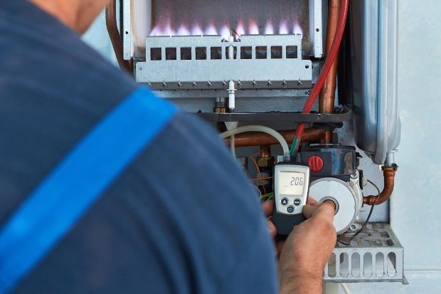 Heizungsinspektion einer Gasheizung