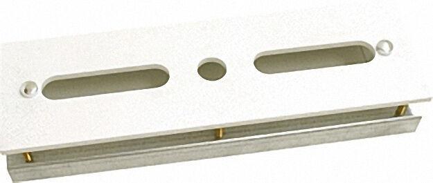 Montageplatte für Wannenrandarmaturen mit Unterrahmen auf Mauerwerk