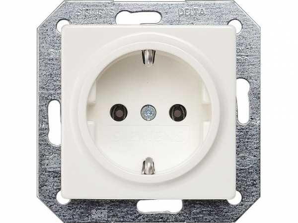 SCHUKO-Steckdose mit Krallen elektroweiß/ Schutzart IP20 1 Stück